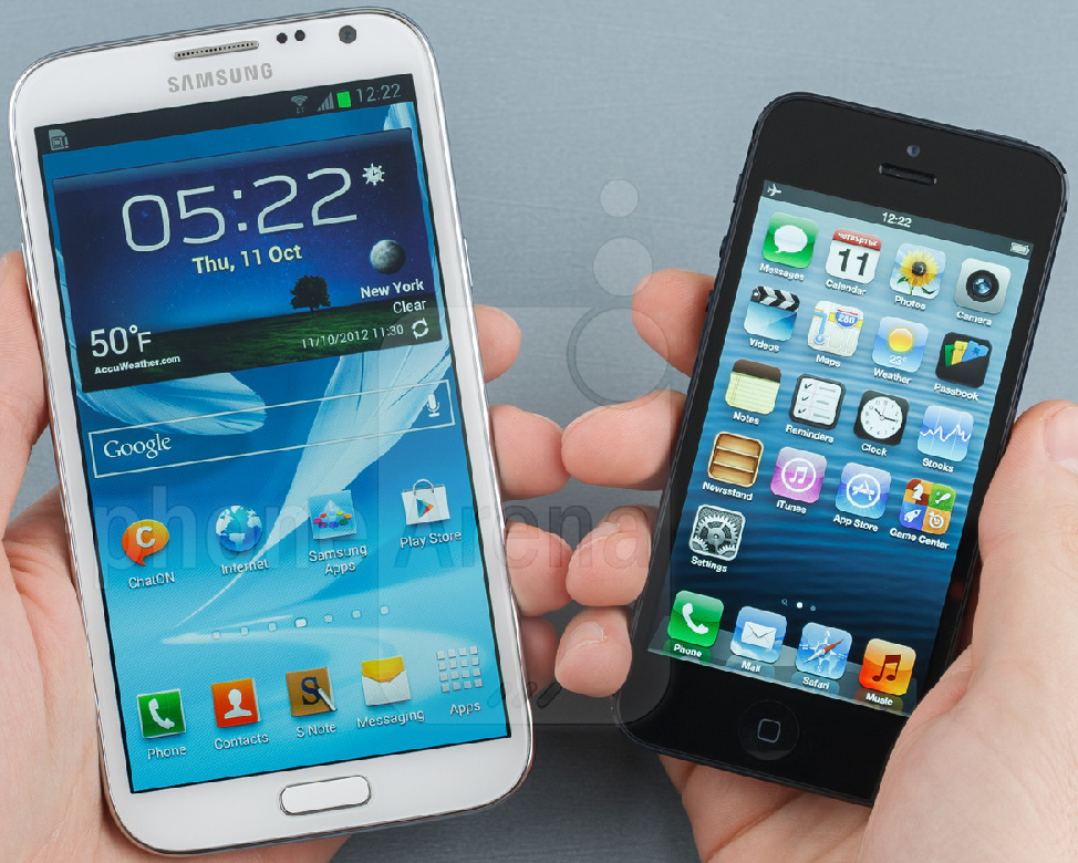 GalaxyNoteIIvsiPhone5